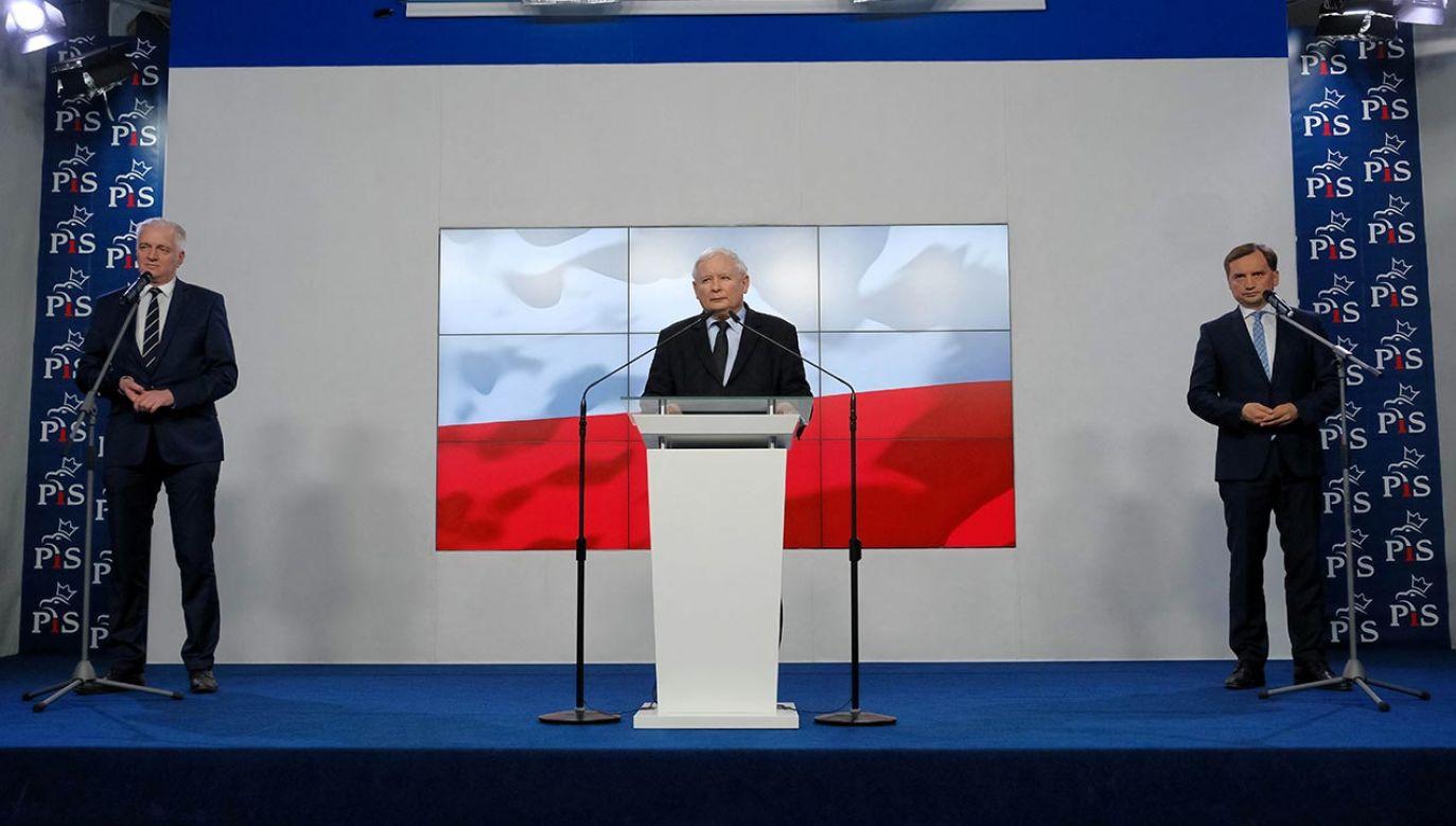 44 proc. wyborców PiS jest przeciwko rozpadowi Zjednoczonej Prawicy (fot. PAP/Mateusz Marek)