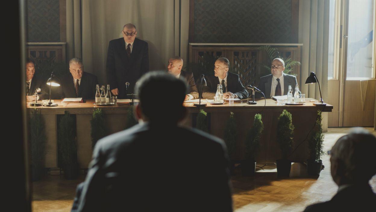 Spektakl ukazuje kulisy kryzysu politycznego na najwyższych szczeblach władzy w Polsce w grudniu 1970 (fot. Stanisław Loba/TVP)