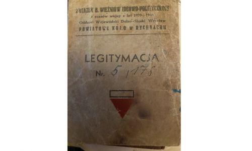 """Legitymacja """"Związku Więźniów Ideowo-Politycznych z czasów wojny 1939-1945"""", wydana w Dzierżoniowie. Fot. Archiwum rodzinne"""