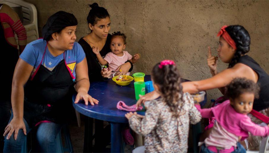 Minimalna pensja w Wenezueli to około 1 dolar miesięcznie (fot. PAP/EPA/Miguel Gutiérrez)