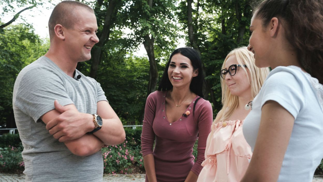 Gospodarstwo Seweryna odwiedzą: Marlena, Diana i Joanna (fot. M. Siarek/TVP)
