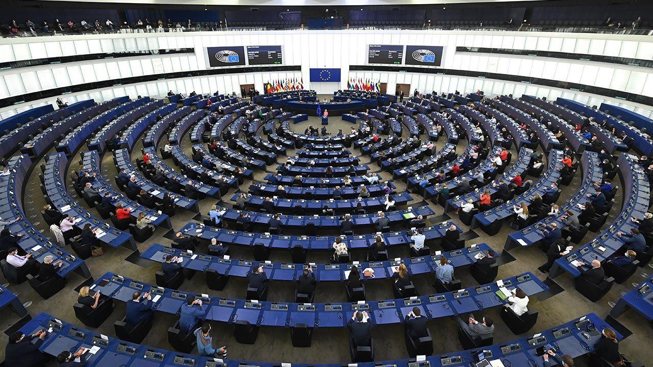 PE przyjął rezolucję (fot.  EU Commission/Pool/Anadolu Agency via Getty Images, zdjęcie ilustracyjne)
