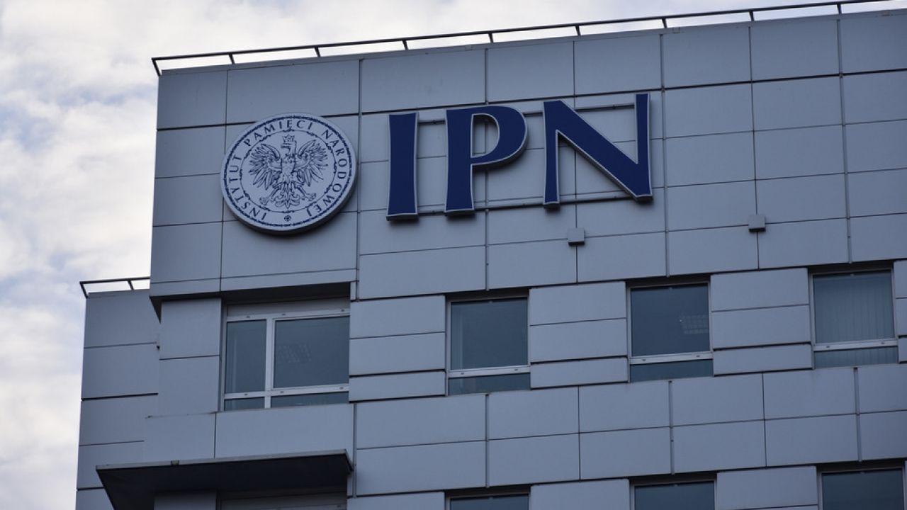 Prezes IPN poinformował, że dr Tomasz Greniuch złożył rezygnację ze stanowiska dyrektora oddziału IPN we Wrocławiu (fot. Shutterstock)