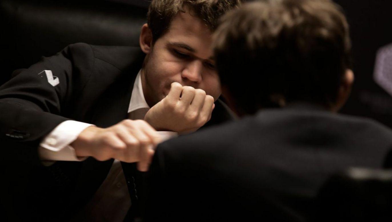 Magnus Carlsen to prawdziwy fenomen w szachowym świecie (fot. PAP/EPA)