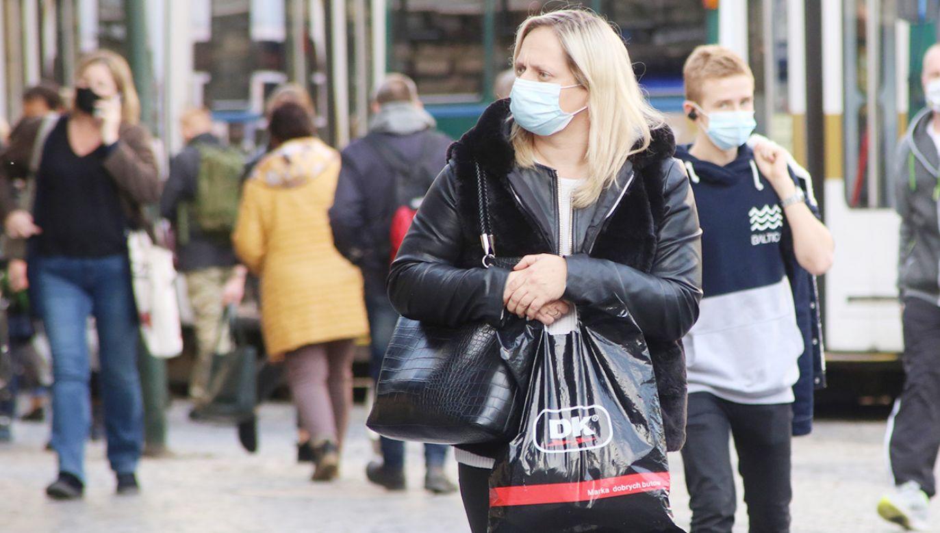 Sytuacja epidemiczna w Polsce jest nadal bardzo trudna (fot. Shutterstock)