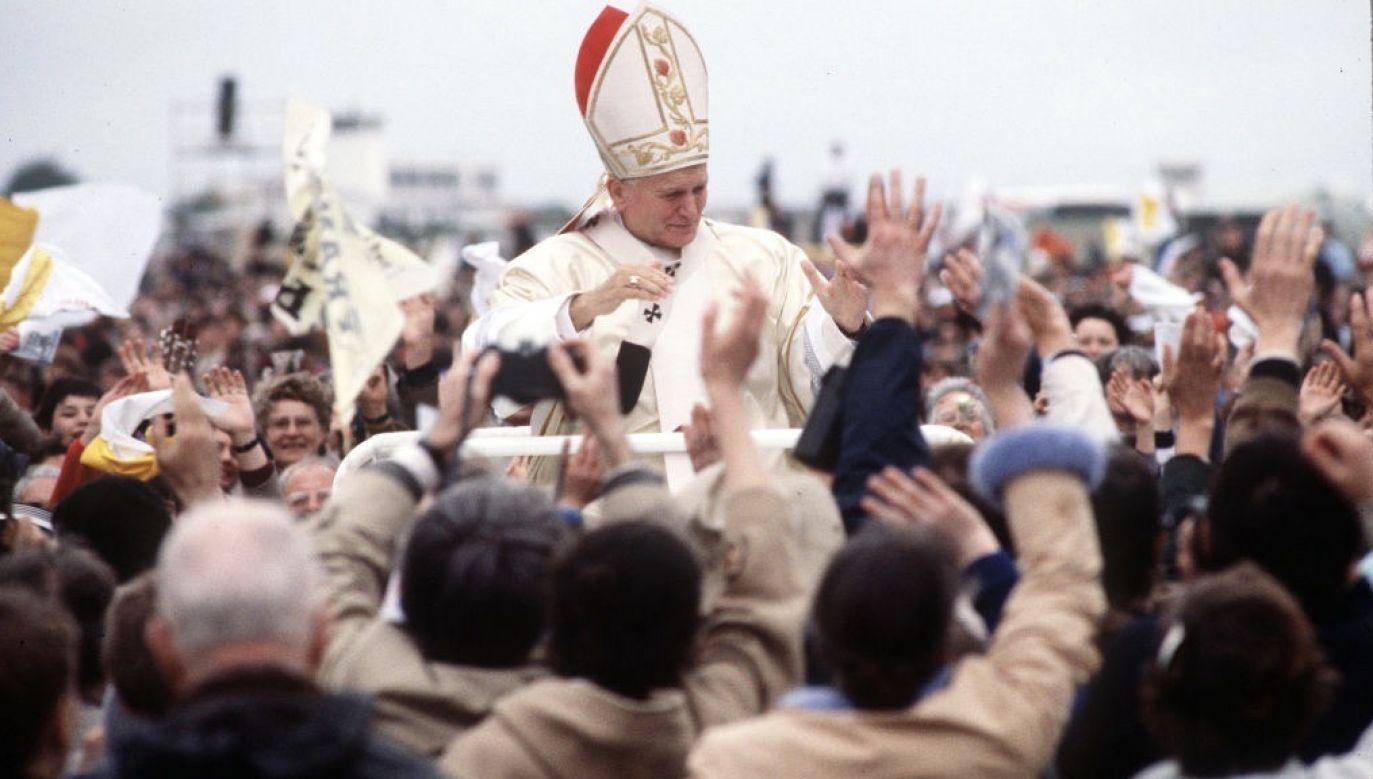 Premier przypomniał w swoim wpisie końcowe słowa homilii, wygłoszonej przez papieża podczas pierwszej pielgrzymki do Polski (fot. Anwar Hussein/WireImage)