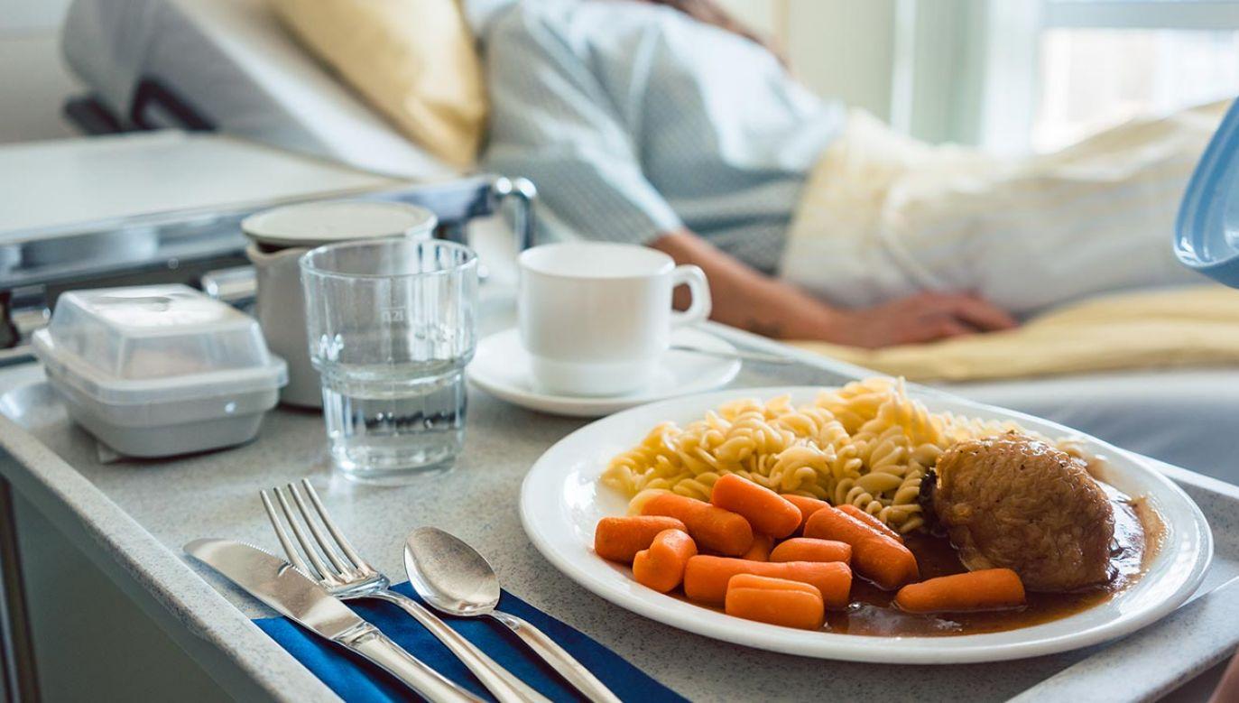 Prawidłowe żywienie ma ogromne znaczenie w procesie zdrowienia (fot. Shutterstock/Kzenon)