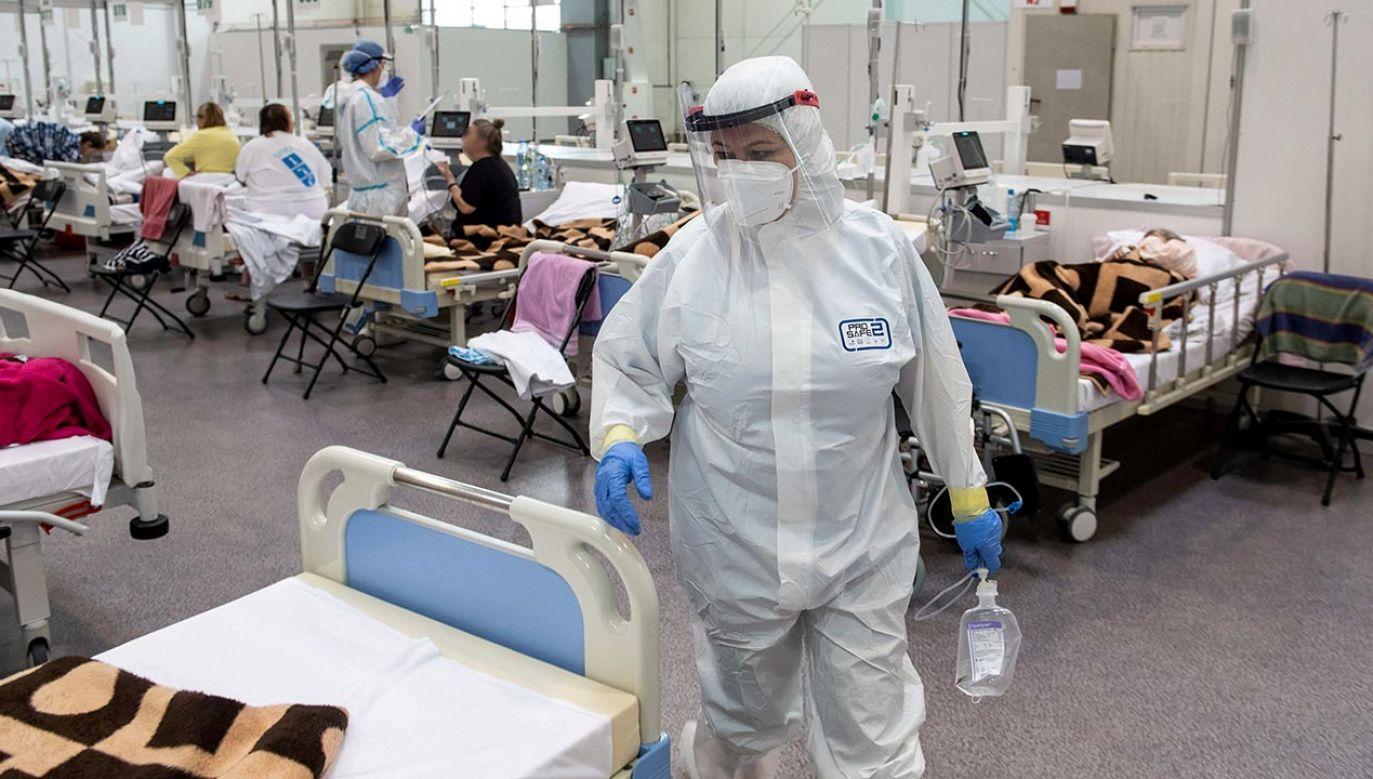 Wykryto 3 931 nowych przypadków zakażenia koronawirusem (fot. PAP/Wojtek Jargiło)