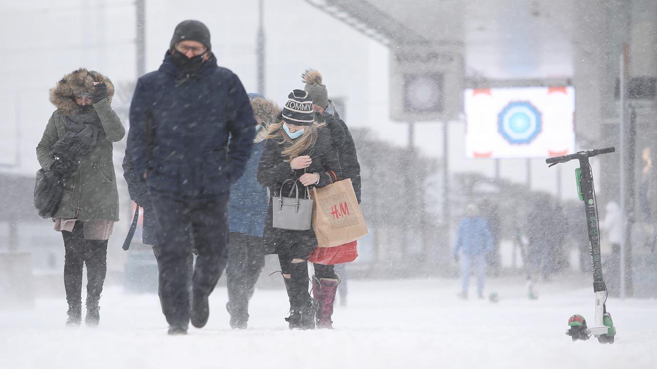 Jak będzie zima 2021/22? (fot. PAP/Leszek Szymański)