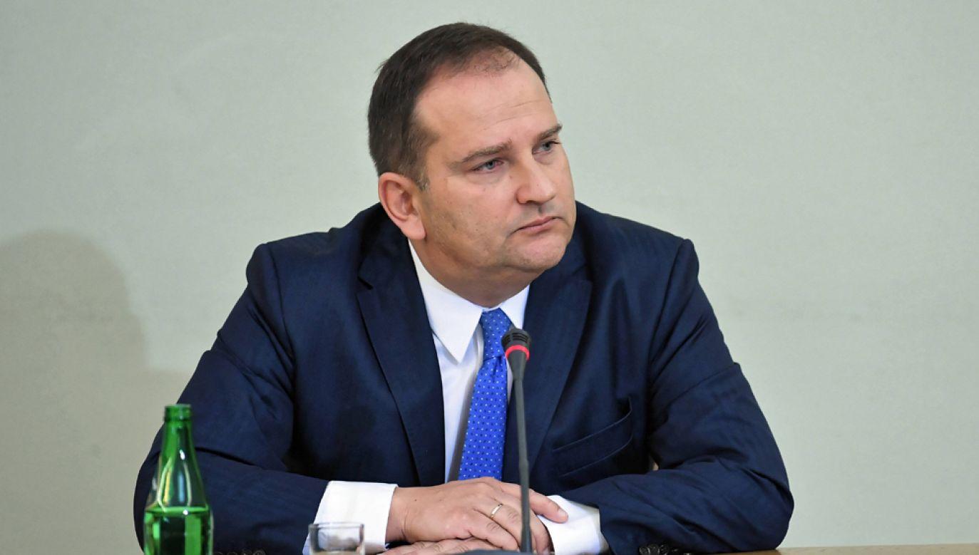 Były Szef Kancelarii Prezesa Rady Ministrów Tomasz Arabski podczas przesłuchania przez sejmową komisję śledczą ds. Amber Gold (fot. arch PAP / Marcin Obara)