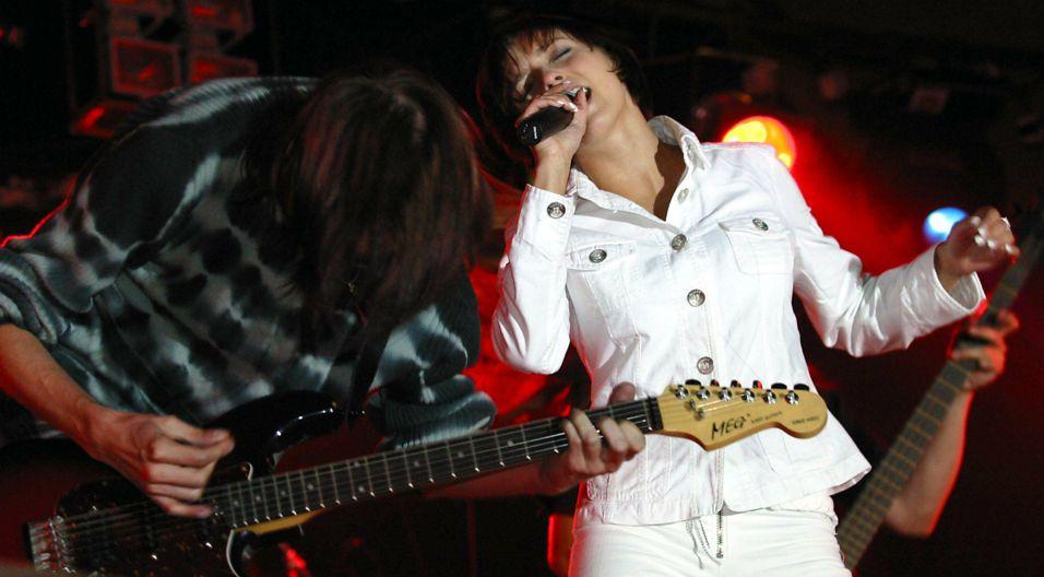"""Znalazły się na niej największe hity grupy, takie jak: """"Agnieszka już dawno..."""" """"Narcyz się nazywam"""" czy """"Przebój (kaprys a-moll)"""" (fot. PAP)"""