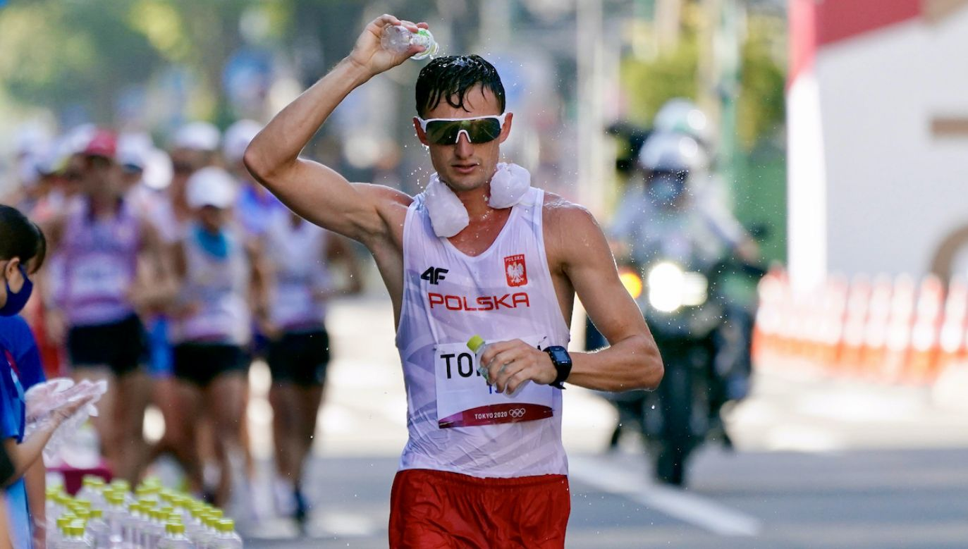 Dawid Tomala zdobył czwarte złoto dla Polski na tych igrzyskach (fot. PAP/EPA/KIMIMASA MAYAMA)