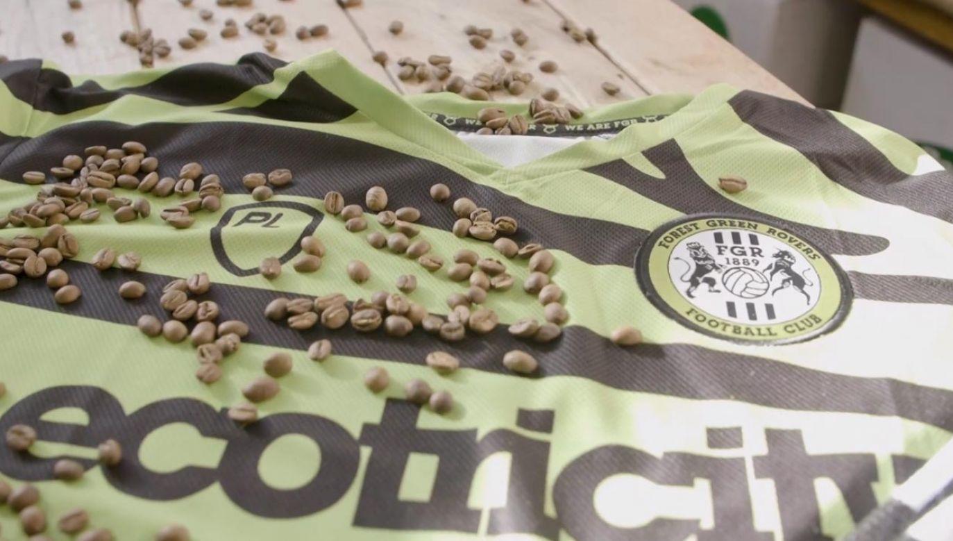 Piłkarze będą nosić stroje z fusów z kawy (fot. Forest Green Rovers)