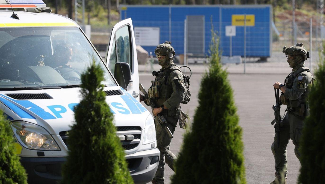 Strażnicy przetrzymywani przez więźniów zostali wypuszczeni (fot. PAP/EPA/PER KARLSSON)