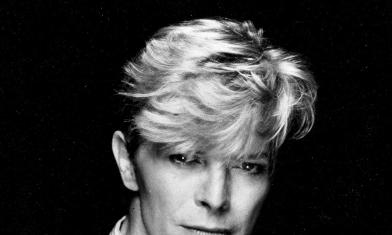 W 1980 r. bardziej przypominał modela niż gwiazdę rocka (fot. arch. PAP/STARSTOCK/Photoshot)