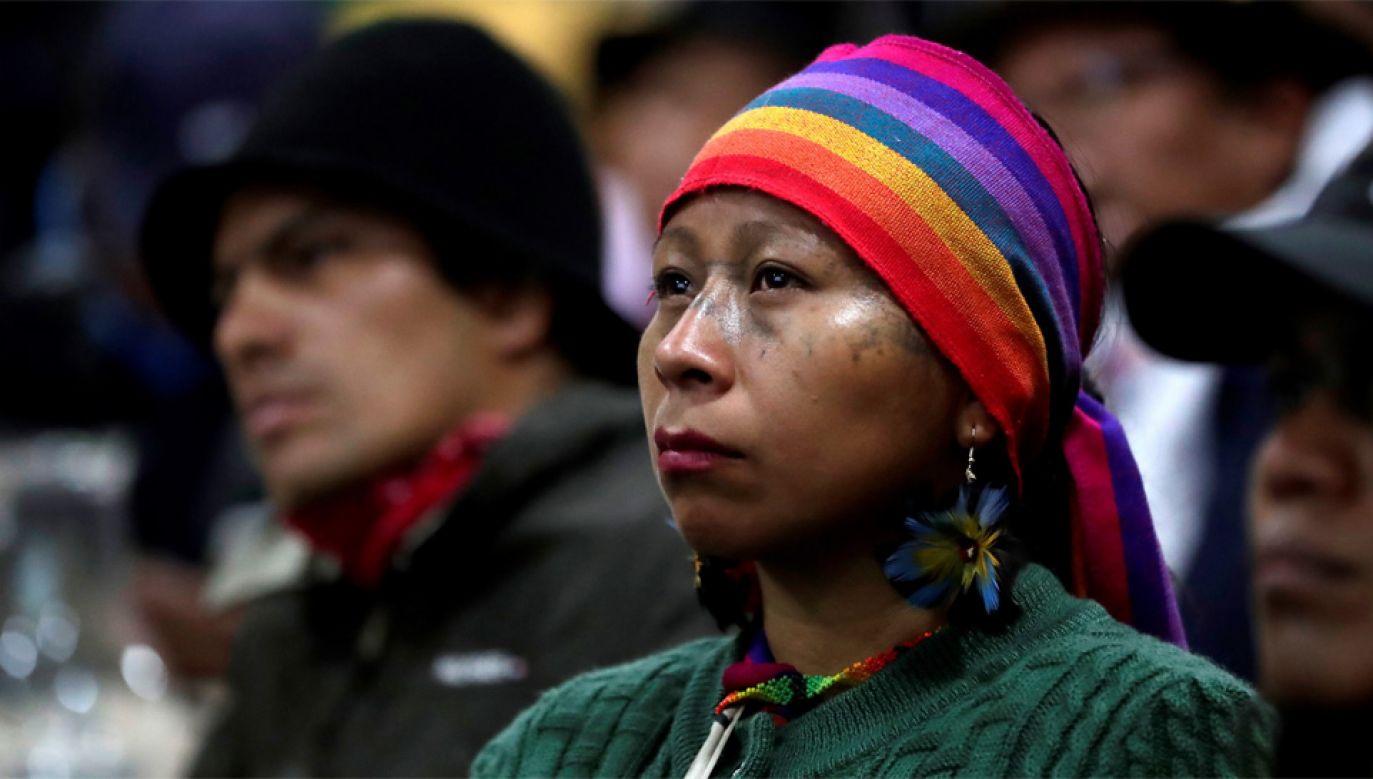 Ludność autochtoniczna Ekwadoru protestowała m.in. przeciw znacznym podwyżkom cen benzyny (fot. PAP/EPA/BIENVENIDO VELASCO)