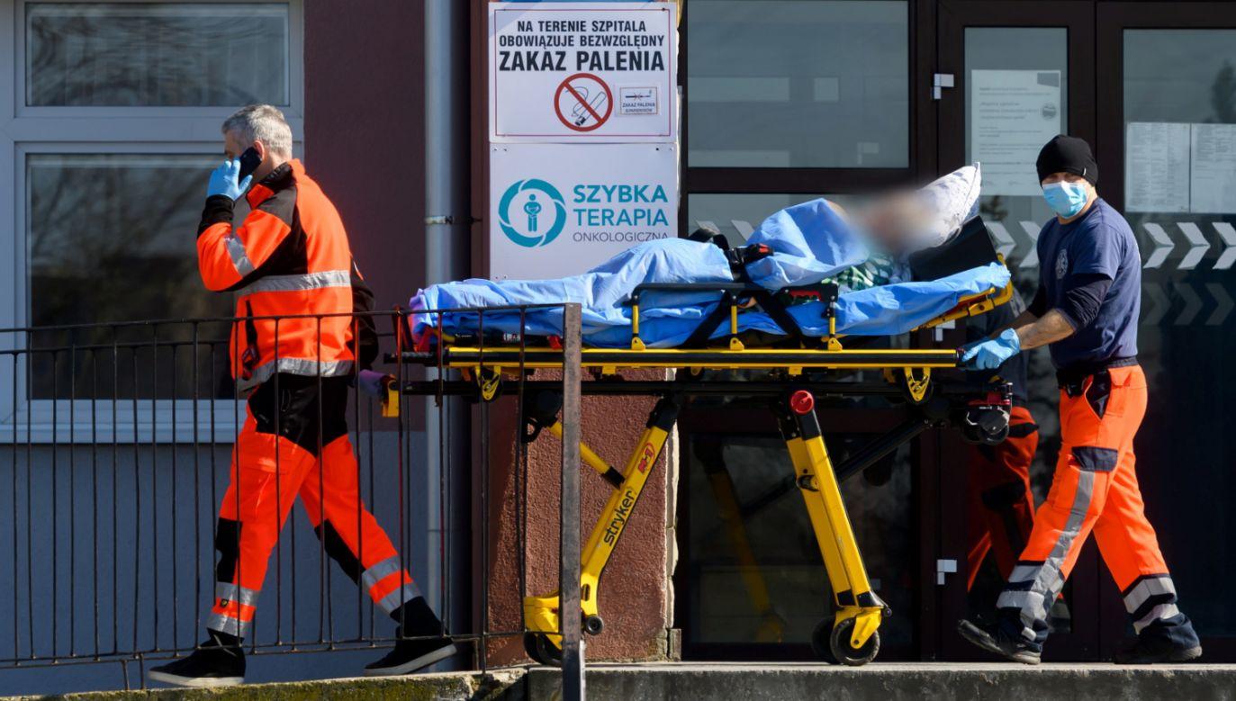W niedzielę resort zdrowia poinformował w sumie o 134 nowo odnotowanych zakażeniach koronawirusem (fot. PAP/Jakub Kaczmarczyk)