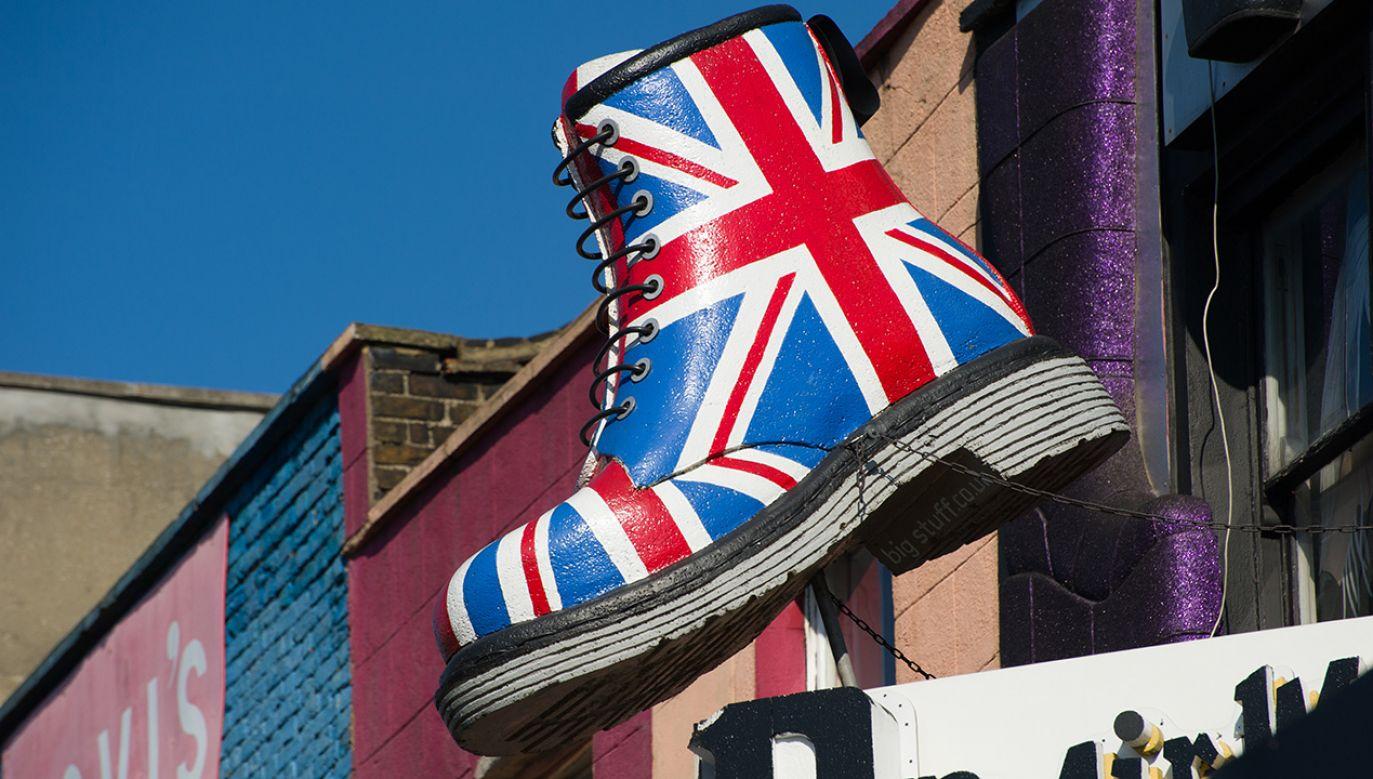 Buty stały się popularne wśród różnych subkultur młodzieżowych i gwiazd muzycznych (fot. Shutterstock/Alex Segre)