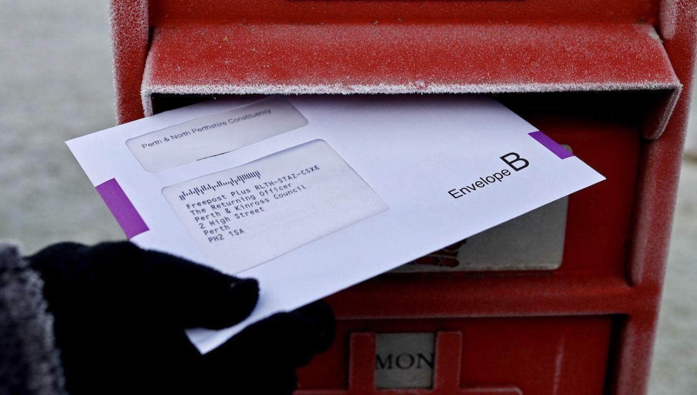 29 marca mieszkańcy Bawarii mogli głosować wyłącznie korespondencyjnie (fot. REUTERS/Russell Cheyne, zdjęcie ilustracyjne)