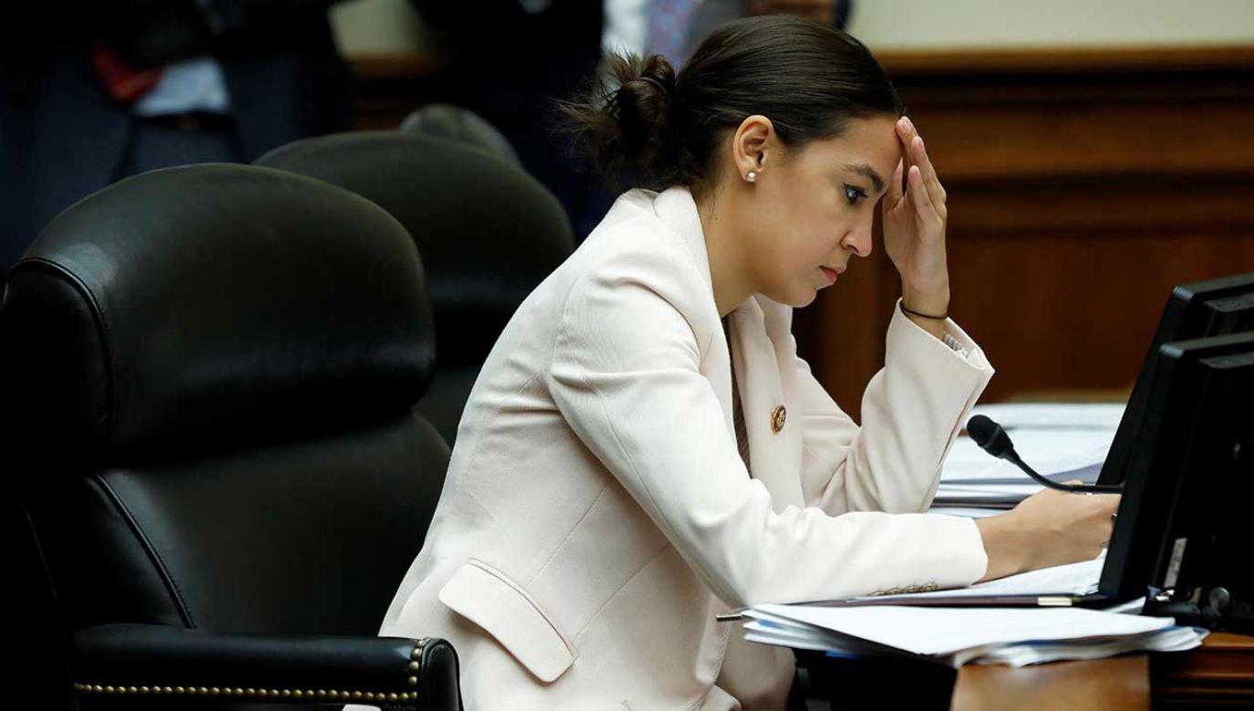 Alexandria Ocasio-Cortez z Partii Demokratycznej porównała niedawno ośrodki dla imigrantów w USA do obozów koncentracyjnych (fot. REUTERS/Yuri Gripas)