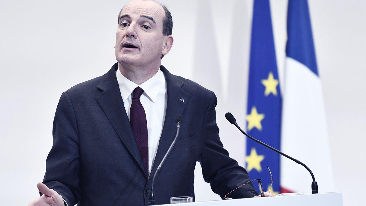 Gabinet Jeana Castex skierował w tej sprawie memorandum do Rady Stanu (fot. PAP/EPA/STEPHANE DE SAKUTIN / POOL)