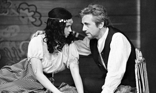 """Teatr Telewizji 1970 rok – """"Żywy trup"""", reż. Andrzej Łapicki (na zdjęciu ze Stanisławą Celińską). Fot. Zygmunt Januszewski TVP/EAST NEWS"""