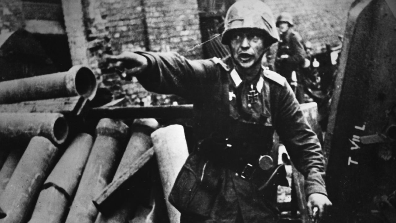Hiszpański dziennik zauważa, że jedną z cech II wojny światowej była propaganda, którą często wykorzystywał niemiecki agresor(Zdjęcie ilustracyjne) (fot. © Hulton-Deutsch Collection/CORBIS/Corbis via Getty Images)