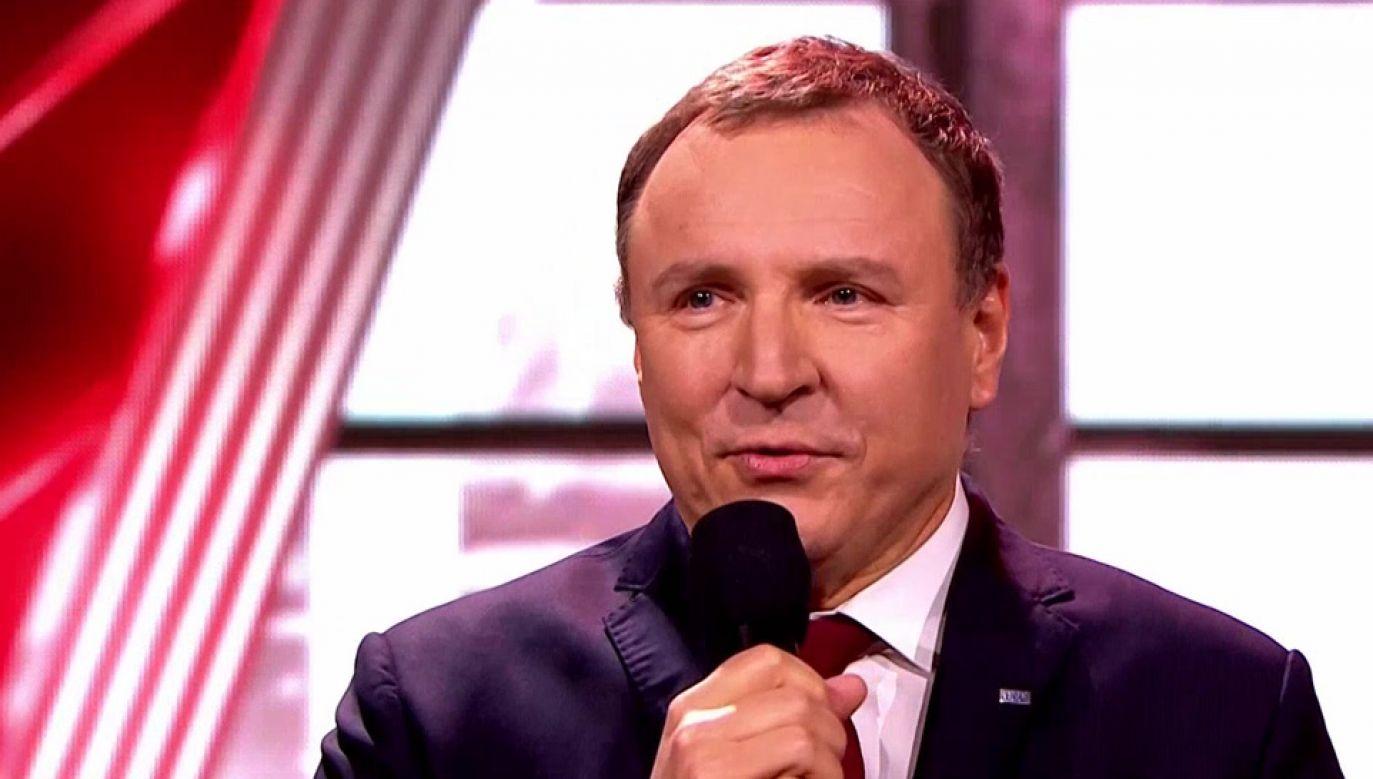 Prezes TVP Jacek Kurski pogratulował zwycięzcy (fot. TVP1)