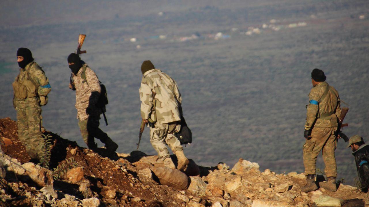 W Syrii i Iraku wciąż toczą się krwawe walki (fot. Beha El Halebi/Anadolu Agency/Getty Images)