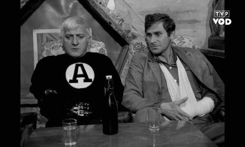 """""""Hydrozagadka"""", film Andrzeja Kondratiuka, 1970 rok. Na zdjęciu Wiesław Gołas i Józef Nowak. Fot. TVP"""