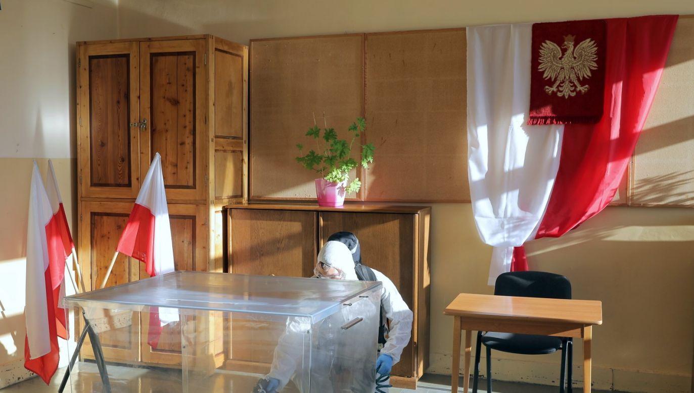 Policja i komisarz wyborczy będą wyjaśniać sprawę (fot. PAP/Grzegorz Momot)