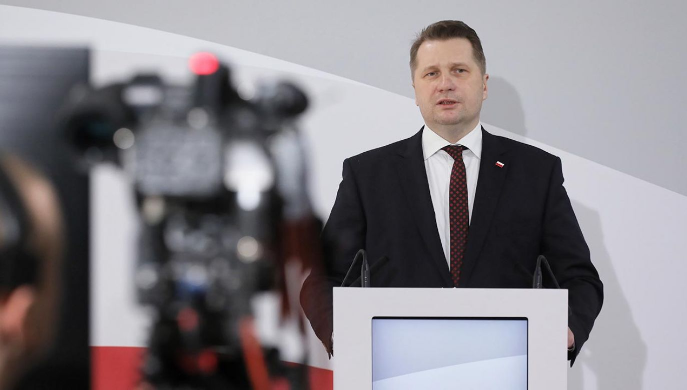 Minister Czarnek odpowiedział też na pytanie, kiedy decyzja o powrocie do szkół (fot. PAP/Paweł Supernak)