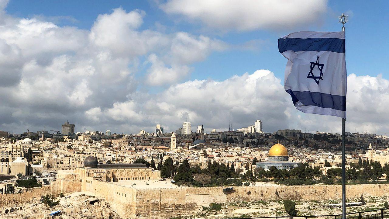 Izrael z ZEA zyska zdecydowanie bardziej niż gdyby dokonał aneksji Zachodniego Brzegu (fot. Shutterstock/John Theodor)