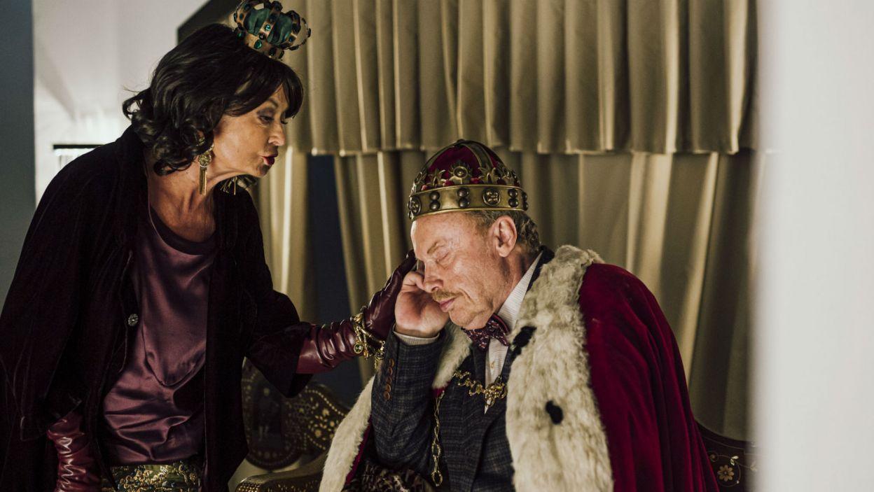 Do wykrycia zbrodni Hamlet wykorzystuje trupę aktorów (Magdalena Zawadzka i Daniel Olbrychski), których namawia do odegrania sceny otrucia ojca (fot. Stanisław Loba)