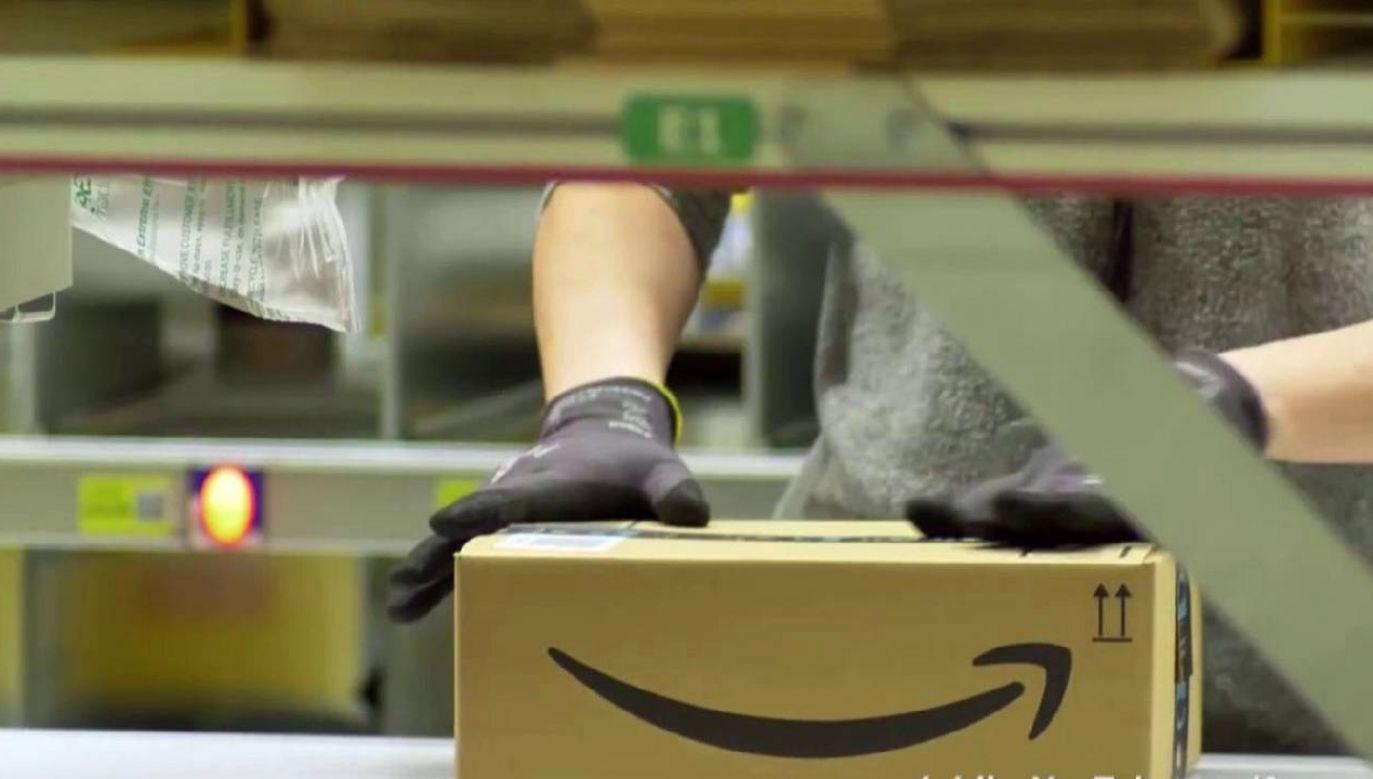 Kolejna śmierć pracownika w centrum Amazona w Sadach (fot. YT/AmazonPolska)