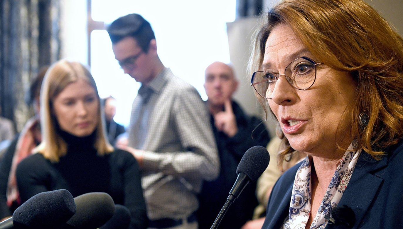 """Kandydatka opozycji podkreślała, że źle było """"15-16 lat temu"""" (fot. PAP/Darek Delmanowicz)"""