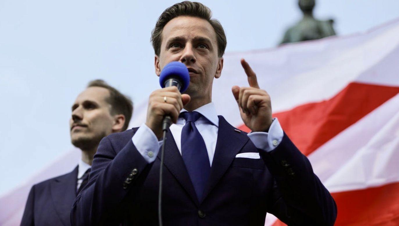 """Krzysztof Bosak powiedział, że będzie głosować """"na mniejsze zło"""" (fot. Filip Radwanski/SOPA Images/LightRocket via Getty Images)"""