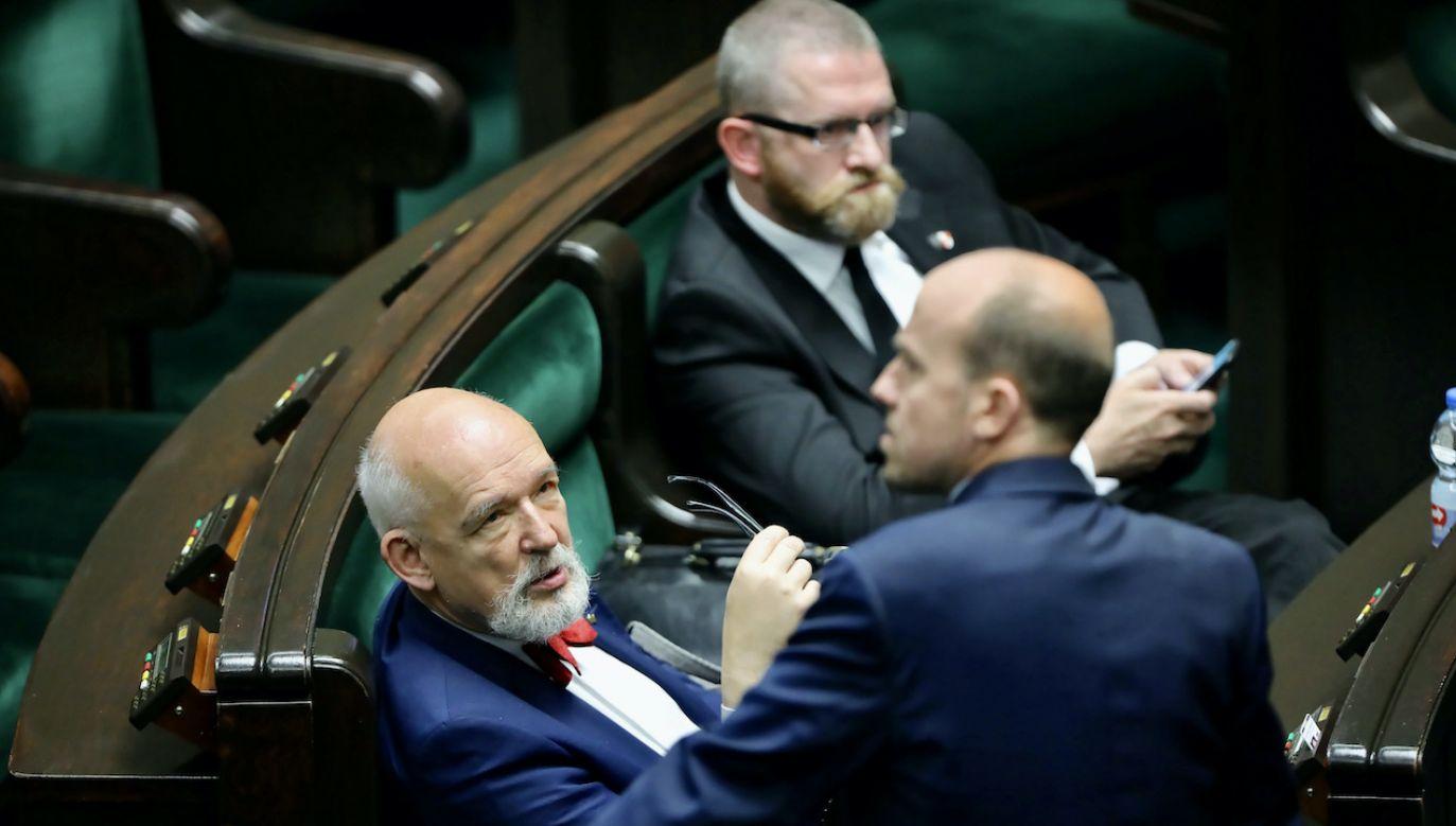 Borys Budka rozmawiałz politykami Konfederacji o utworzeniu rządu (fot. arch.PAP/Wojciech Olkuśnik)