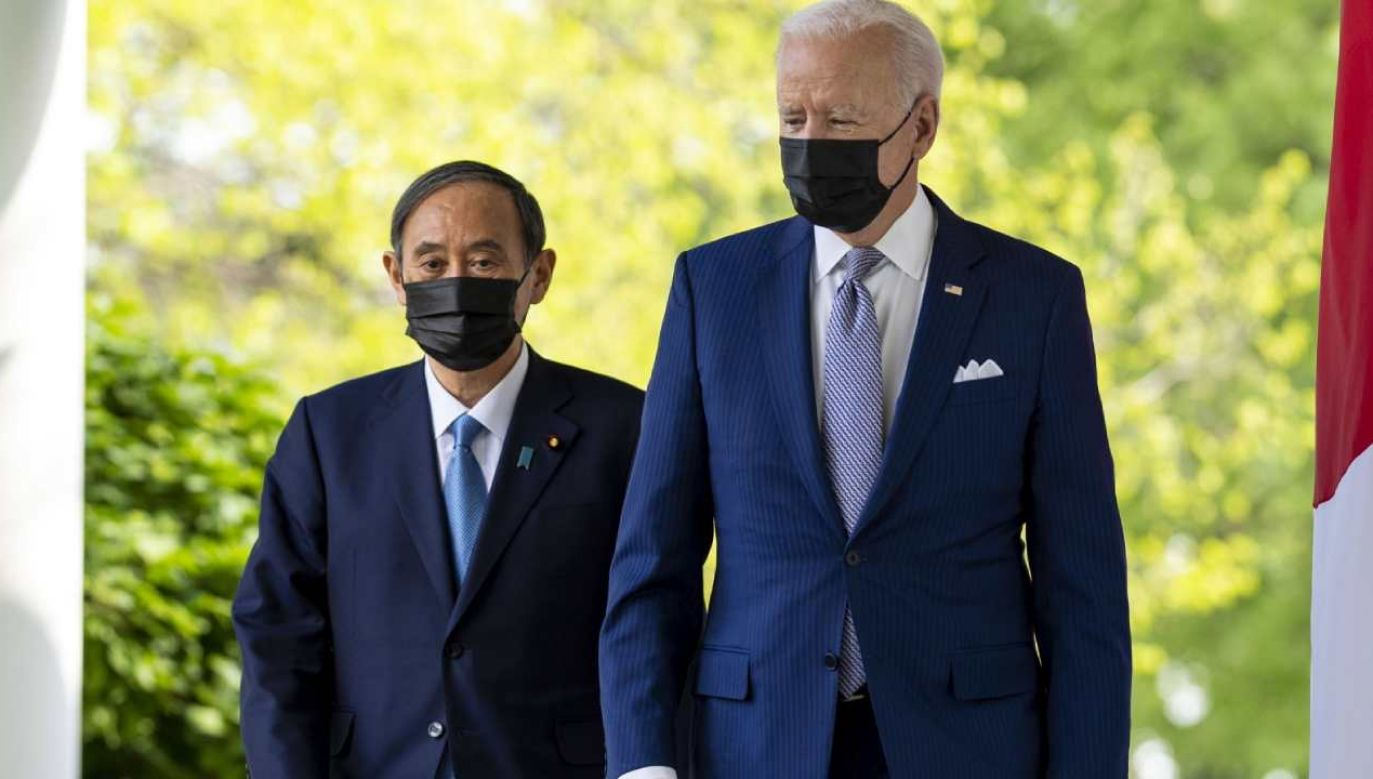 Prezydent USA Donald Trump (P) i premier Japonii Yoshihide Suga (L)  (fot. PAP/EPA/Doug Mills)