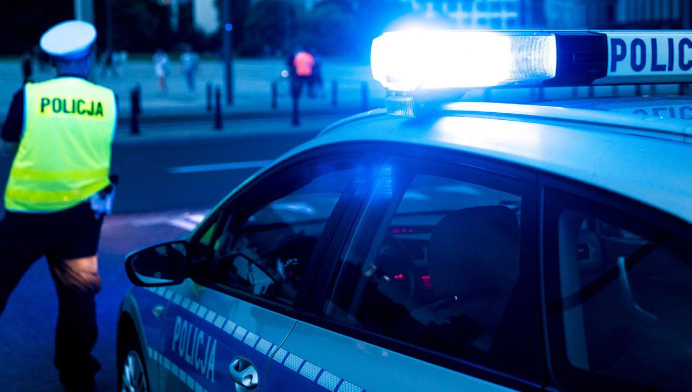 Policjanci użyli broni i postrzelili uciekającego mężczyznę (fot. Shutterstock/ASkwarczynski)