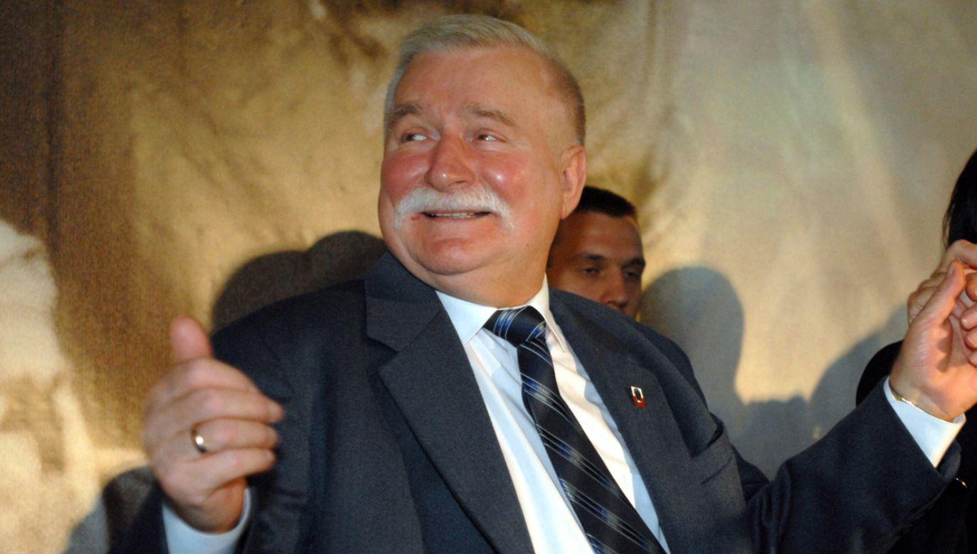 Były Prezydent Lech Wałęsa miał być przywieziony do Stoczni Gdańsk w trakcie strajku sierpniowego motorówką (fot. arch PAP / Barbara Ostrowska)
