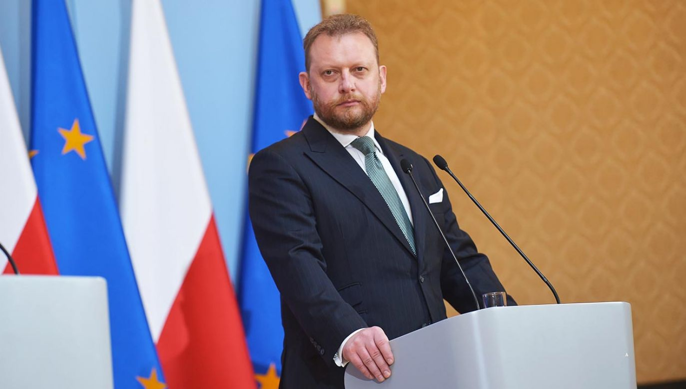 Minister odpiera zarzuty (fot. PAP/Marcin Obara)