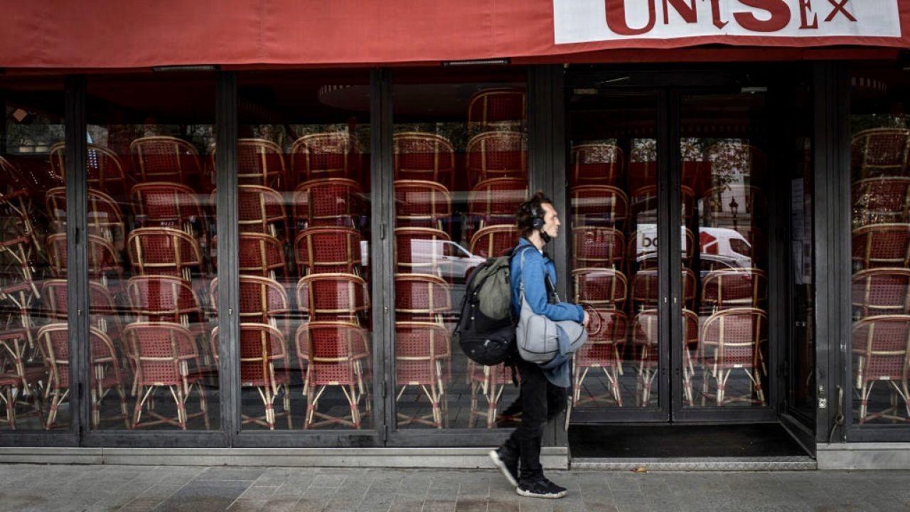 Restauracje we Francji mogą pozostać zamknięte do połowy stycznia 2021 roku (fot. Siegfried Modola/Getty Images, zdjęcie ilustracyjne)