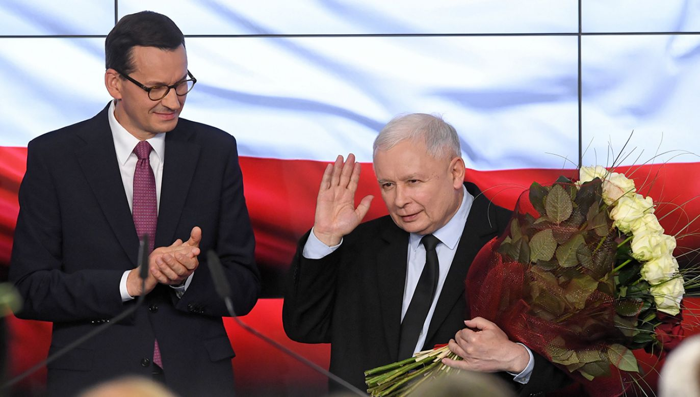Premier RP Mateusz Morawiecki i prezes PiS Jarosław Kaczyński (fot. PAP/Radek Pietruszka)