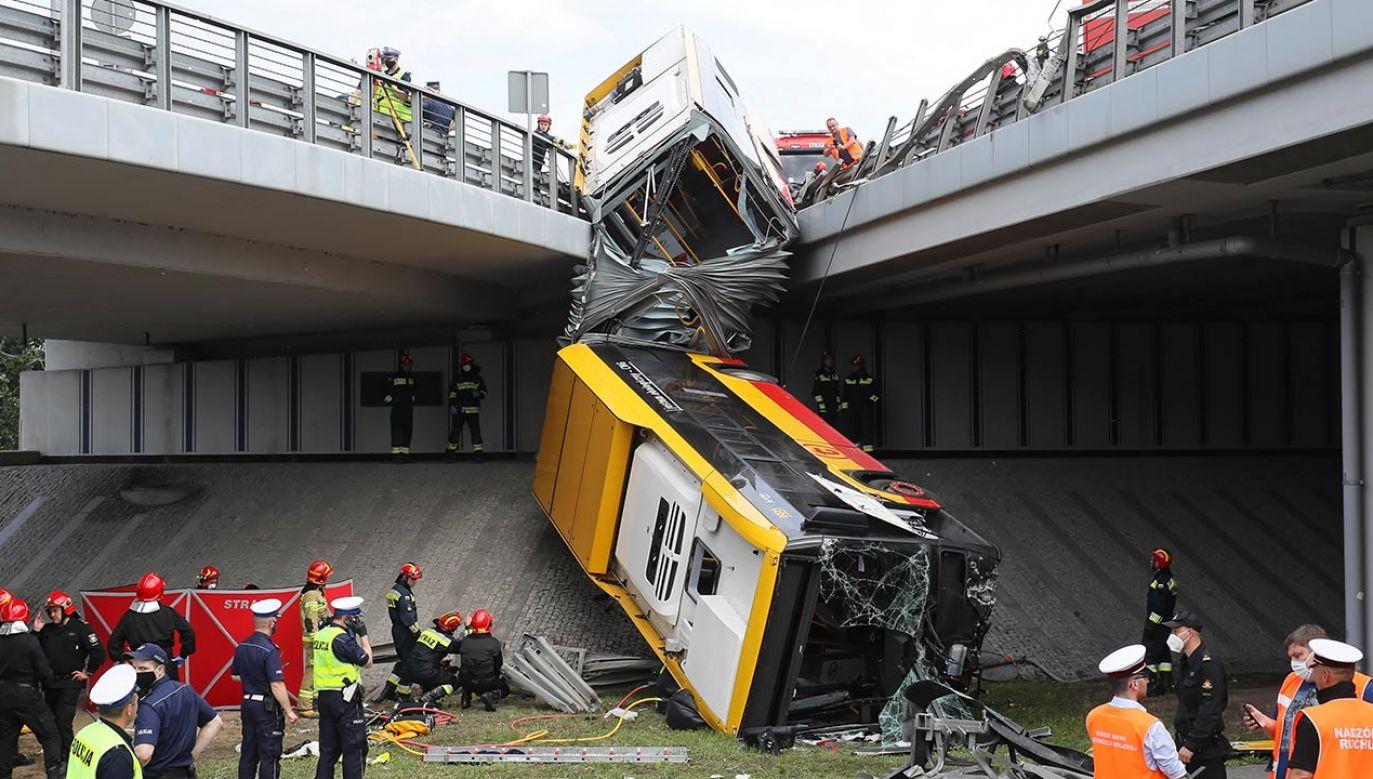 Mieszkańcy Warszawy obawiają się korzystania z komunikacji miejskiej po dwóch wypadkach z udziałem kierowców po spożyciu narkotyków (fot. PAP/Paweł Supernak)