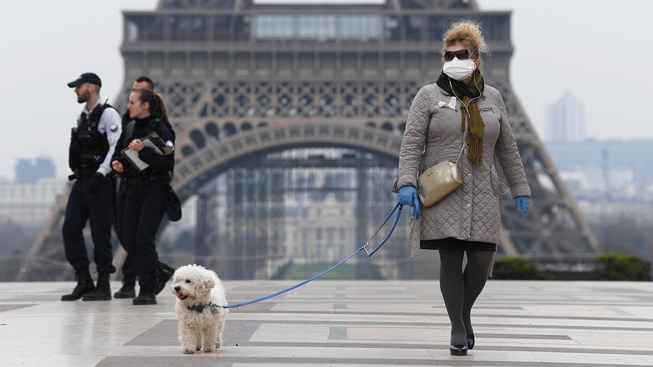 Czwarta fala pandemii we Francji może być spokojniejsza, mimo różnych wariantów koronawirusa (fot. Pascal Le Segretain/Getty Images)