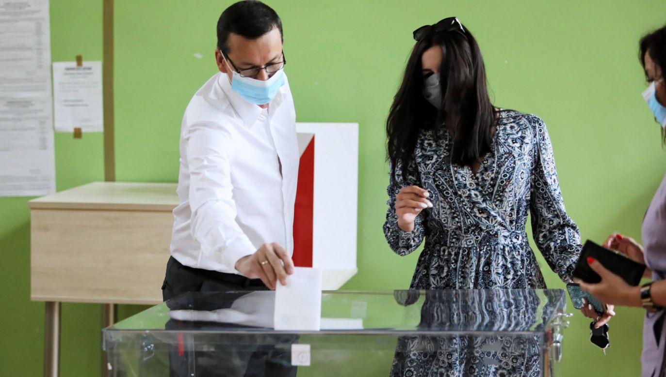 Premier Mateusz Morawiecki zagłosował w wyborach prezydenckich  (fot. PAP/Leszek Szymański)