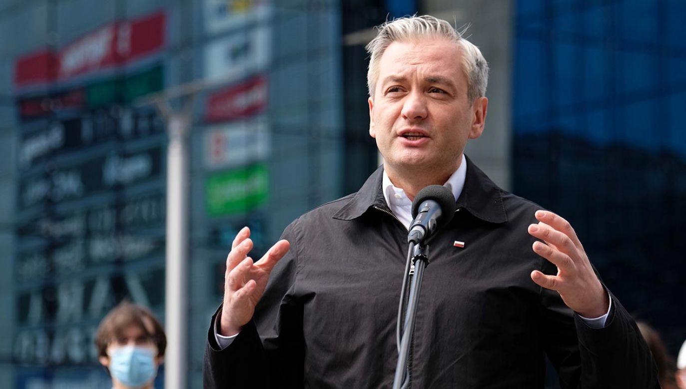 Kandydat Lewicy w sondażach notuje około 3-5 proc. poparcia (fot. PAP/Andrzej Grygiel)