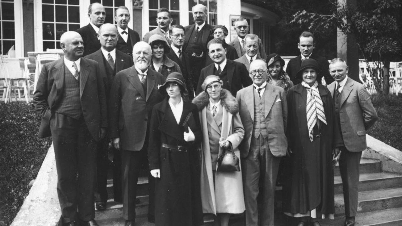 Jan Żabiński (1. z lewej w ostatnim rzędzie) na zjeździe dyrektorów europejskich ogrodów zoologicznych w Monachium w 1931 r. (fot. NAC)