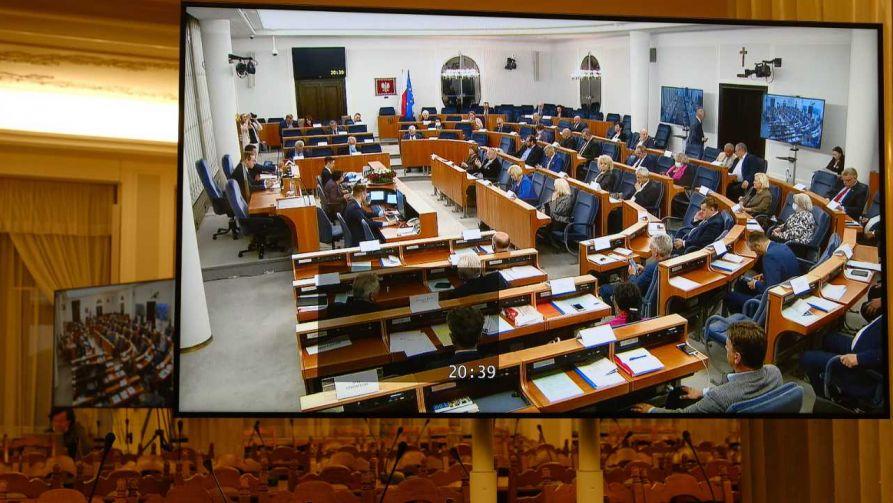 Senat głosował nad poprawkami do ustawy ws. wyborów prezydenckich (fot. PAP/Mateusz Marek)